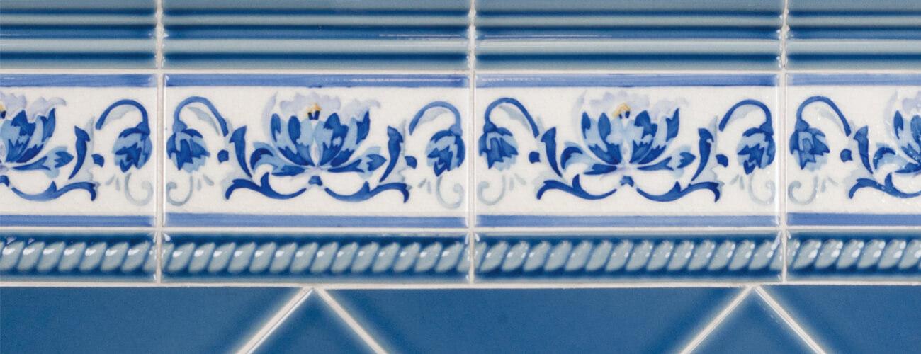 Modernista - acabado cuarteado brillante - esta serie se caracteriza por su esmalte cuarteado y brillante, así como por su amplia variedad de colores y piezas de acabado.